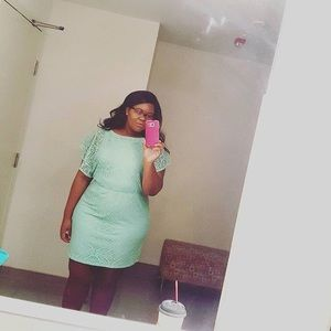 A green lace size 16 dress